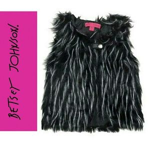 💖BETSEY JOHNSON FAUX FUR GIRL 6 VEST💖
